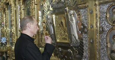 VLADIMIR PUTIN KEEPS ICON OF THE VIRGIN MARY IN HIS PRIVATE OFFICE – WHY IT MATTERS