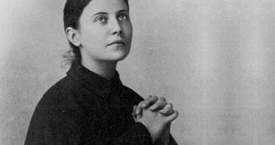 St Gemma Galgani obtains the relief of a poor soul in Purgatory in a beautiful way.  Don't forget, you can be superman too and help souls reach their eternal happiness.