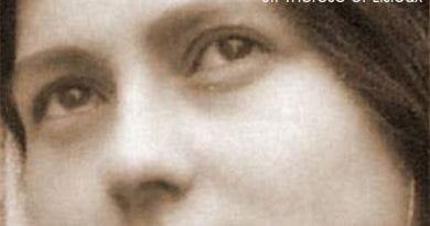 "Pope Francis' devotion to St. Therese and his attachment to ""Little Miracles"""