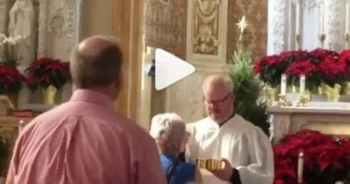 Famous Stand Up Comic, Jim Gaffigan, Now Extraordinary Minister of Holy Communion