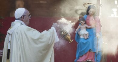 """Pope Francis Pens New Prayer for the Blessed Mother … """"Urgent…more imperative that ever"""""""
