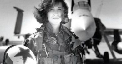 "Tammie Jo Shults Pilot of Southwest flight called a 'hero' is devout Christian ..Divine intervention?  ""God sent his angels to watch over us,"" she said."
