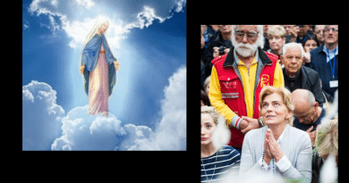 Powerful Video: October 2, 2018…From the Holy Ground of Medjugorje at the Blue Cross: Minutes After Apparition in Light Rain Message from the Queen of Peace is Read to Pilgrims in English –  You feel the power of Our Lady's words.