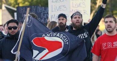 SIGNS: Civil War in Portland – Bear spray, bloody brawls at Patriot Prayer March