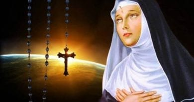 "3rd secret of Fatima ""A persecution will come from ""inside the Church."" Pope Benedict XVI Warns"