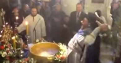 *Must See* – Orthodox Priest Holy Water Ritual – This is how it is done.