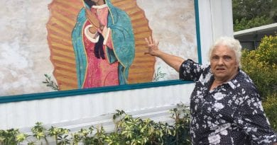 "Battle over Virgin Mary painting at a trailer park intensifies ""They will have to kill me first!"""