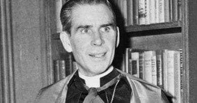 Court Says Venerable Fulton Sheen Should Be Moved To Peoria, Illinois ..The Strange Case
