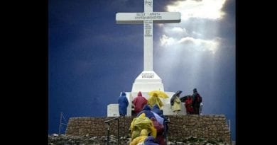 Medjugorje: New Video –  American Pilgrim captures Famous Cross on Mt. Kizevac Miraculously Spinning