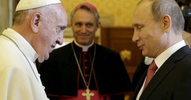 "Signs: Pope to meet Putin for third time..Putin considers Pope Francis a ""Moral Authority on global stage"""
