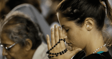 "Medjugorje: Fr. Livio explains why in lastest Message Aug 25, 2019 Our Lady asks us to hold the Rosary as a ""witness"" for people to see… Do not be shy!"