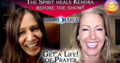 Wow. The power of prayer! Right before the show, Kendra is overtaken and healed by the Holy Spirit!