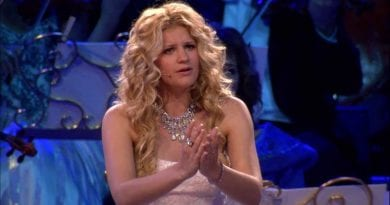The Most Beautiful Song you Will Hear Today – André Rieu, Mirusia and The Johann Strauss Orchestra performing Ave Maria live in Maastricht.