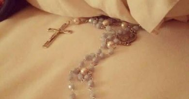 The little-known way to solve problems: Why should we keep the Rosary under the pillow?