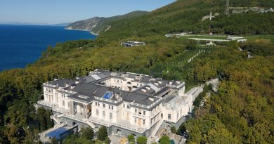 Putin's Palace?  Colossal One billion dollar home described as fit for a James Bond Villain – Russian officials deny ties to Vladimir Putin